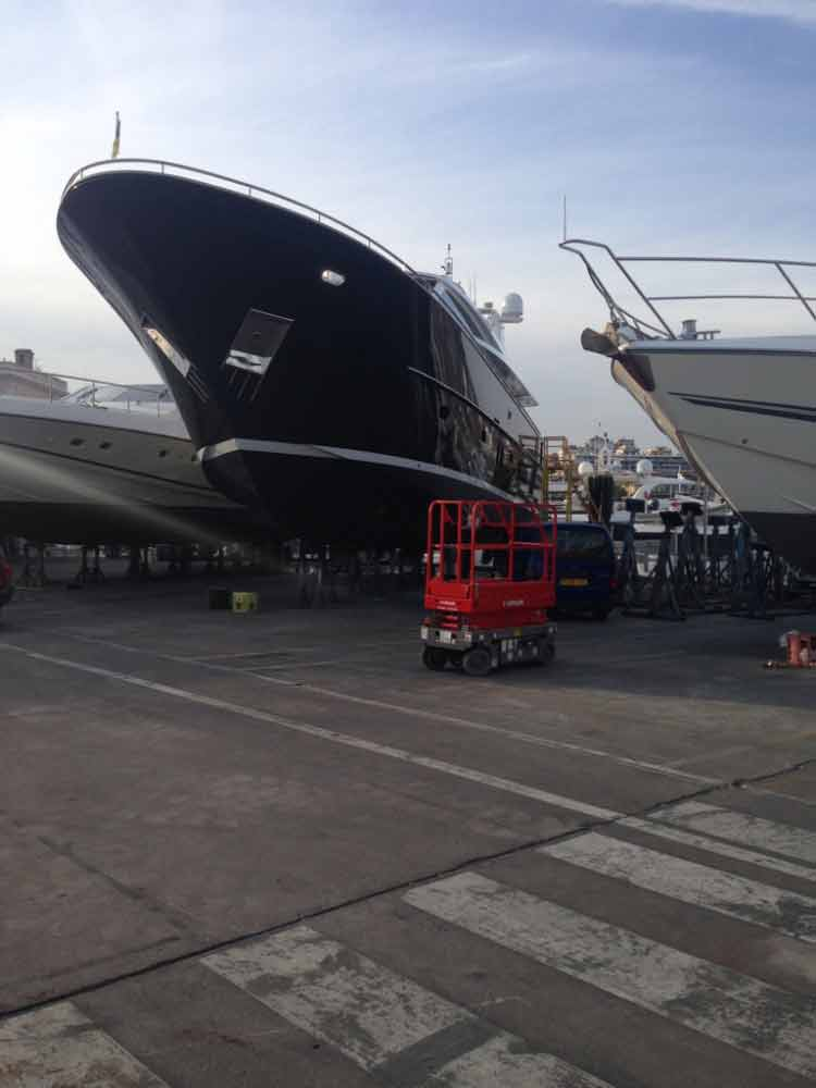 Mobile Mechanic: Yacht in Cannes Ship Yard