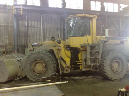Mobile Mechanic: Komatsu Loading Shovel WA500