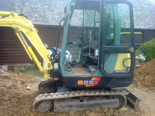 Mobile Mechanic: Yanmar Excavator B25V