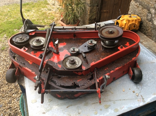 Mecanique Mobile: Westwood S1300 - Ride on lawn mower cutting deck